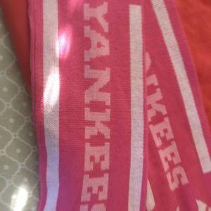Accessories - Yankee scarf New
